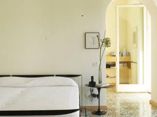 villa al mare Camera da letto minimalista di gabriele pimpini architetto Minimalista