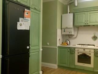 Кухни на заказ: Кухни в . Автор – Мастерская Художественной Мебели DerevoDekor , Классический