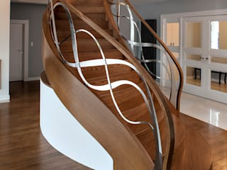 Koridor & Tangga Modern Oleh Trąbczyński Modern