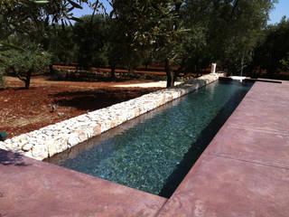trullo con piscina Piscina minimalista di gabriele pimpini architetto Minimalista