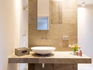 Architektur Jansen Minimalist style bathroom