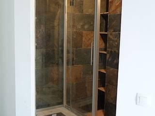 Relooking sdb: Salle de bains de style  par Madecoenligne