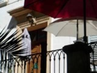 Bastide: Terrasse de style  par Enclos