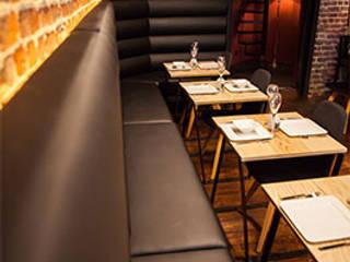 Exemples de realisations Salle à manger moderne par Valdeco - Hotei Concept SPRL Moderne