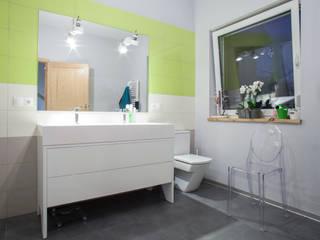 Ванные комнаты в . Автор – Patyna Projekt, Модерн