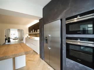 Modern kitchen by ZABOROWSKI ** Kreativer Innenausbau Modern
