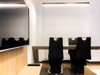 Comedores de estilo moderno de Empresa constructora en Madrid Moderno