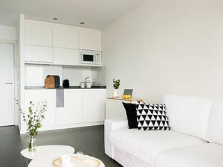 Reforma de apartamento en Alicante: Comedores de estilo  de V+M ARQUITECTOS