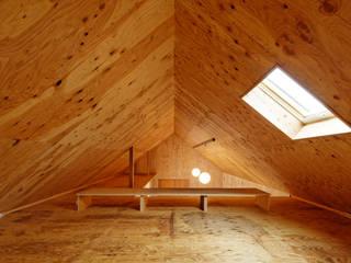 Minimalist garage/shed by 井上貴詞建築設計事務所 Minimalist