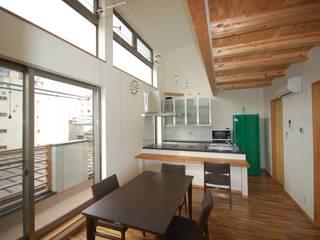 巣鴨の住宅 モダンデザインの リビング の 一級建築士事務所有限会社石原建設 モダン