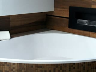 Wanna narożna wykonana na indywidualny wymiar Nowoczesna łazienka od Luxum Nowoczesny
