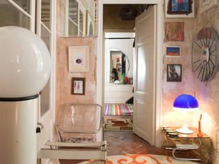 Salas de estar ecléticas por Las Coleccionistas Eclético