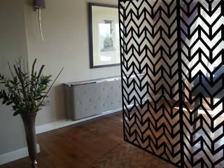 Modern black room dividers in ZIGZAG Chevrons geometric pattern: modern  by Lace Furniture, Modern Metal