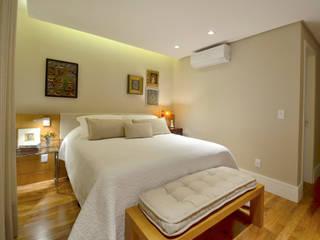 Modern style bedroom by Stúdio Márcio Verza Modern