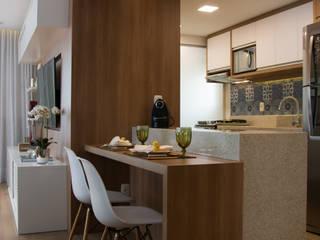 Salones modernos de Stúdio Márcio Verza Moderno