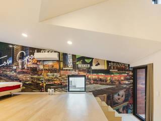 aandd architecture and design lab. Ingresso, Corridoio & Scale in stile moderno