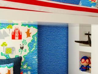 Apartamento Eclético: Quartos de criança modernos por Spacemakers