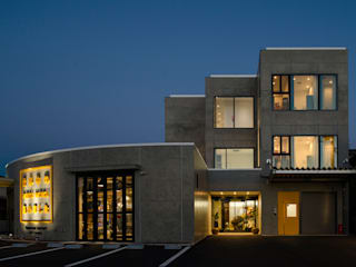 株式会社深田建築デザイン研究所 Moderne Bürogebäude