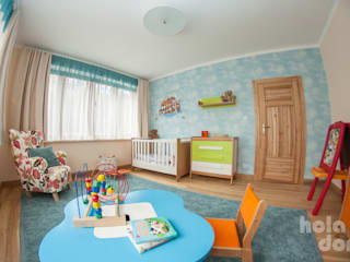 HOLADOM Ewa Korolczuk Studio Architektury i Wnętrz Nursery/kid's room Multicolored