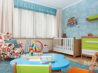 Kinderzimmer von HOLADOM Ewa Korolczuk Studio Architektury i Wnętrz