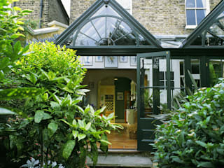 Traditional Conservatory Classic style conservatory by Westbury Garden Rooms Classic
