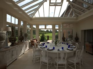 Spacious Luxury Orangery Modern dining room by Westbury Garden Rooms Modern
