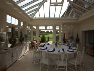 Formal Dining room in Orangery :  Dining room by Westbury Garden Rooms
