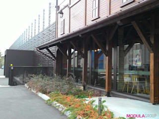 Rivestimento frangisole Bar & Club moderni di Modula Group Srl Moderno