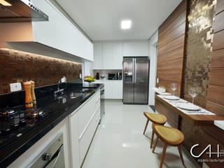 Cocinas modernas de Cláudia Hypolito Arquitetura & Interiores Moderno