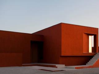 O House - Bom Sucesso, Design Resort, Leisure & Golf, Óbidos: Casas mediterrânicas por Atelier dos Remédios