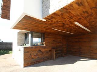 R. Borja Alvarez. Arquitecto Rustic style houses