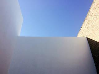 Casa Paoloni: Casas de estilo  por Diego Jobell Arquitectos