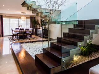 Escalera aaestudio Pasillos, vestíbulos y escaleras de estilo moderno