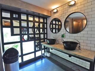 La Maquinita: Baños de estilo  por Trua arqruitectura