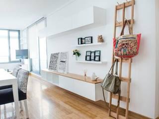 Departamento CONCEPCION ARENAL: Livings de estilo  por Trua arqruitectura