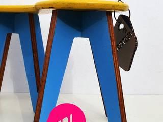 Bancos y mesas ensamblables:  de estilo  por MueblesElemental