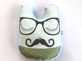Coussin Monsieur Moustache:  de style  par mimipouapoua