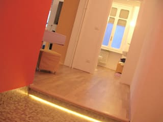 Di Origine Progettuale DOParchitetti Modern Corridor, Hallway and Staircase Multicolored