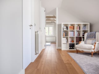 Modern corridor, hallway & stairs by Tarimas de Autor Modern لکڑی Wood effect