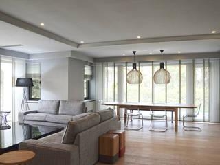 monoblok design & interiors – Tarabya Villa:  tarz Oturma Odası