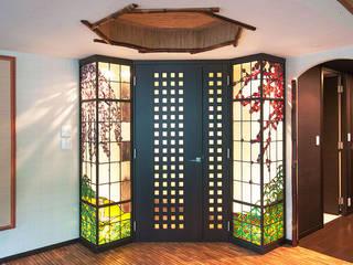 マルグラスデザインスタジオ Puertas y ventanasPuertas Vidrio Multicolor