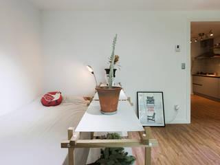 작업실 같은 집 모던스타일 침실 by 매트그라퍼스 모던