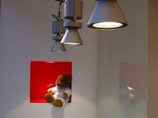 Oficinas de estilo minimalista de roomy showroom Minimalista