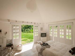 Dormitorios de estilo  por SDHR Arquitectura