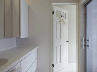 S☆邸: 株式会社アマゲロ / amgrrow Co., Ltd.が手掛けた浴室です。,
