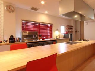 U邸 renovation: 株式会社アマゲロ / amgrrow Co., Ltd.が手掛けたキッチンです。,
