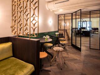 mixtvision OFFICE MUNICH: moderne Küche von interior.architects.munich