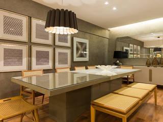 Livings de estilo moderno de Flaviane Pereira Moderno