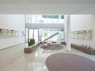Niederösterreichische Versicherung Zentrale destilat Design Studio GmbH Moderne Bürogebäude