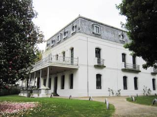 Restauración de Villa Concepción en Cambre Casas de estilo ecléctico de Ezcurra e Ouzande arquitectura Ecléctico